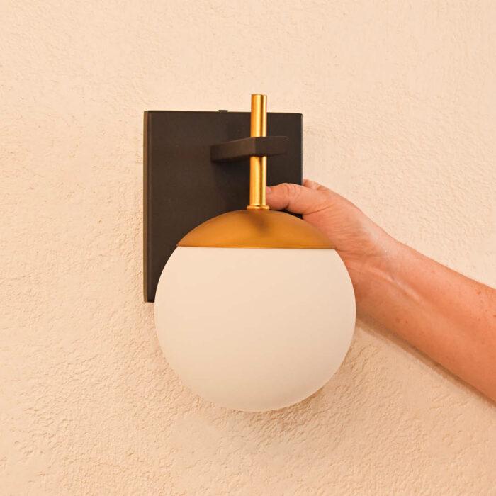 johnson-wall-light-2