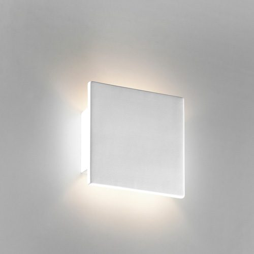 "CERAMIC WALL LIGHT<div class=""cost"">IBF 8672/108/D18/CT</div>"