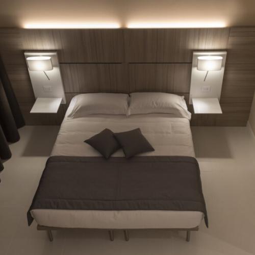"LED BEDSIDE WALL LIGHT<div class=""cost"">ILB 4571/01/WW</div>"