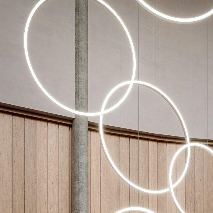 azu-vertical-ring-pendant_close