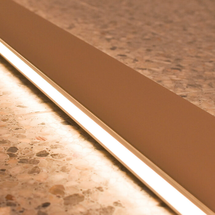 blade-led-wall-light-104cm-gold-ambient_