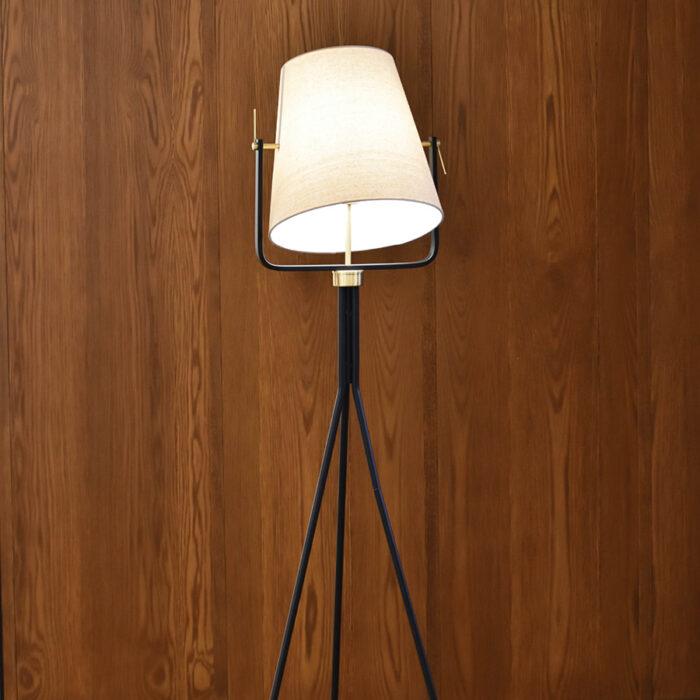 ford-floor-lamp-close