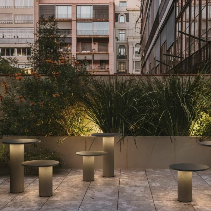 seta-exterior-bollards-courtyard