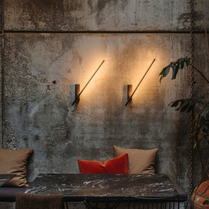 taka-led-wall-light-dining1