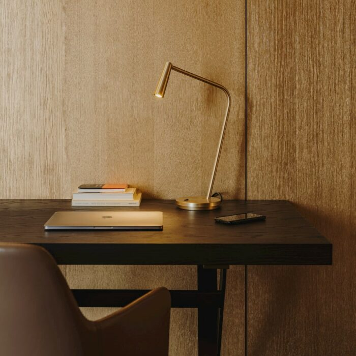 turin-table-lamp-gold_desk