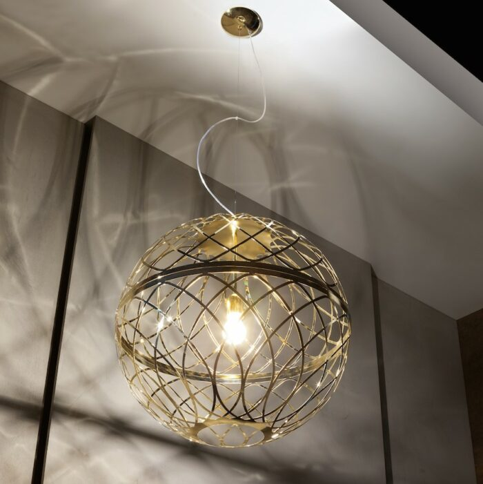 umber-pendants-gold_ambient3