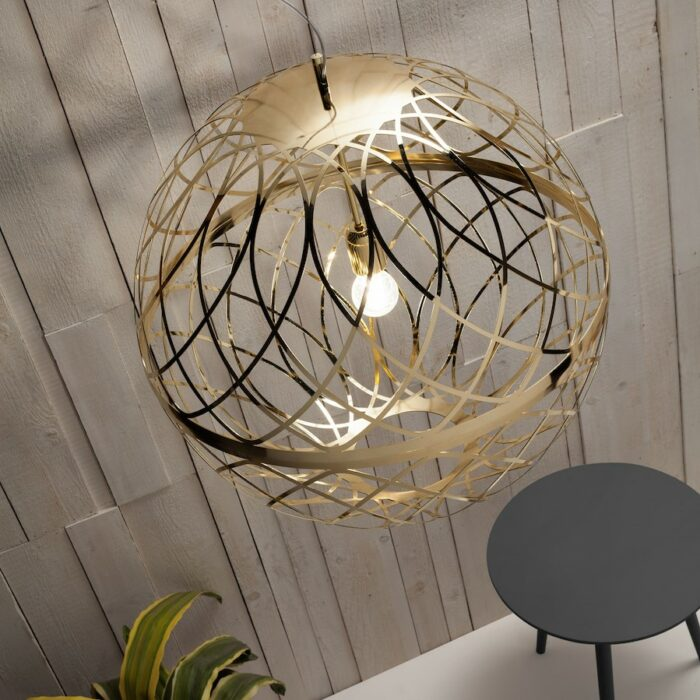 umber-pendants-gold_ambient4